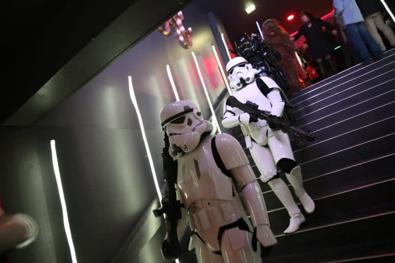 stormtroopers choregraphie danse star wars paris theme dark vador icdc agence wato we are the oracle evenementielle events