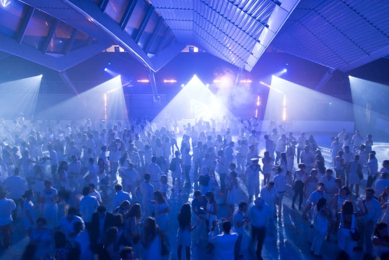 spots scénogaphie soirée dansante glace patinoire pailleron espace pailleron paris france soiree grand public underwater 3 III agence wato we are the oracle evenementiel events