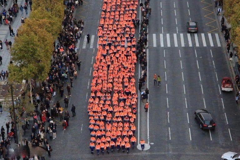 uniformes remontée des Champs Elysées arc de tromphe paris france congrès des 50 ans fédération nationale de protection civile agence wato we are the oracle evenementiel events