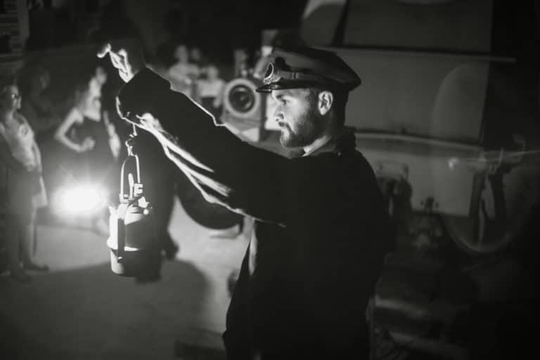 louis-marie rohr costumes cheminots diner dans un jardin secret lieu insolite explorationparis agence zcomme leboncoin agence wato we are the oracle evenementiel event events