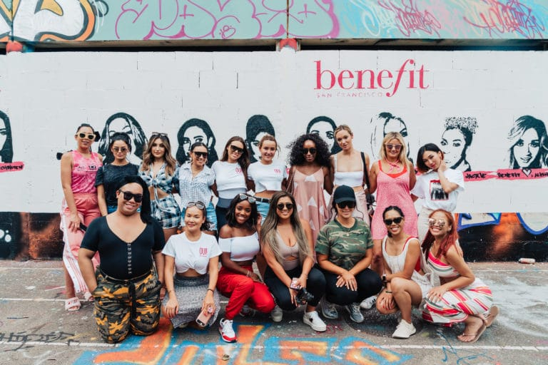 street art ancienne ecole lyon influenceuses scenographie sur mesure france insolite brow contour pro benefit cosmetics seminaire agence wato we are the oracle evenement events