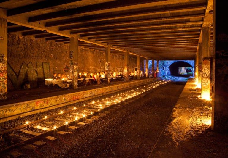 bougies rails urbex petite ceinture ancienne gare de Montrouge Paris france soirée publique WATO The Urban Tribe Dinner agence wato we are the oracle evenementiel events