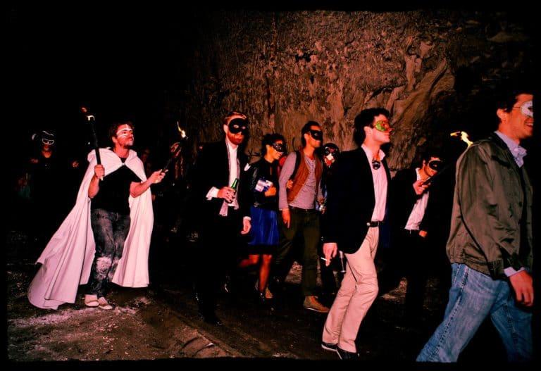 invités masqués urbex exploration urbaine carrière de brimborion meudon france soirée publique WATO The Hidden Temple agence wato we are the oracle evenementiel events