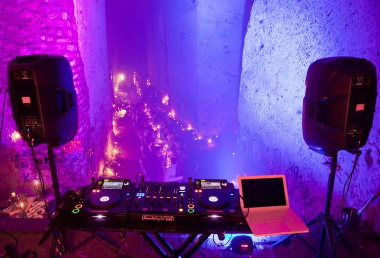 pioneer platines DJ diner exceptionnel urbex exploration urbaine carrière de brimborion urbex meudon soirée publique WATO The Hidden Temple agence wato we are the oracle evenementiel events