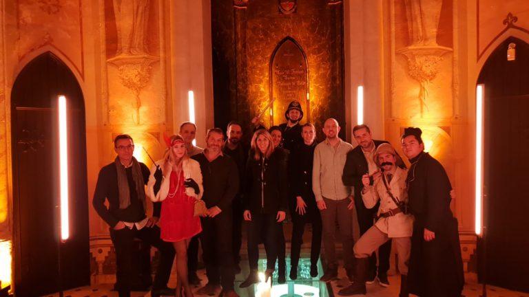 wato we are the oracle chateau bellet diner immersif photo famille foulques jubert hyomi legendrer gregoire desrousseaux