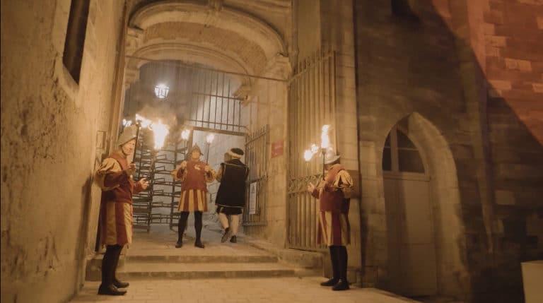 chevaliers feu renaissance acteurs masques costumes privatisation chateau royal d ambroise tour evenement sur mesure france diner d exception leboncoin agence wato we are the oracle evenementiel