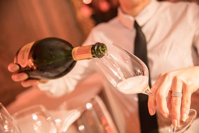 coupe de champagne food & drinks hotel de soubise paris france agence wato we are the oracle evenementiel event