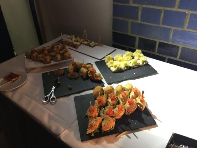 entremets buffet traiteur food & drinks voyage privé electric factory berlin allemagne agence wato we are the oracle evenementiel events