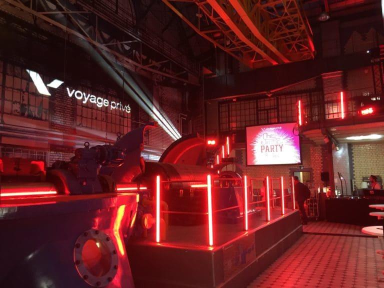 turbinenhalle logo vp machine industrielle insolite ancienne usine berlin allemagne soiree corporate scenographie sur mesure voyage prive agence wato we are the oracle evenementiel events