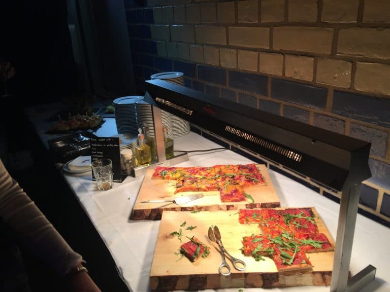 pizza buffet traiteur food & drinks voyage privé electric factory berlin allemagne agence wato we are the oracle evenementiel events