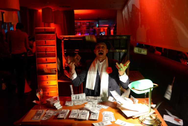 gregoire desrousseaux spolicier corrompu acteur billets soiree immersive prohibition the hemingway club marriott international agence wato we are the oracle evenementiel events