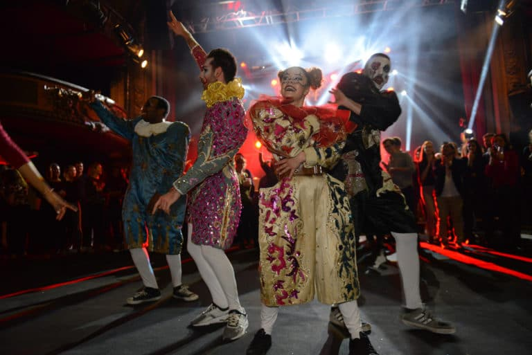 happening clowns acteur dancefloor soiree dansante trianon theatre paris france soiree coporate evenement sur mesure bva circus agence wato we are the oracle evenementiel events