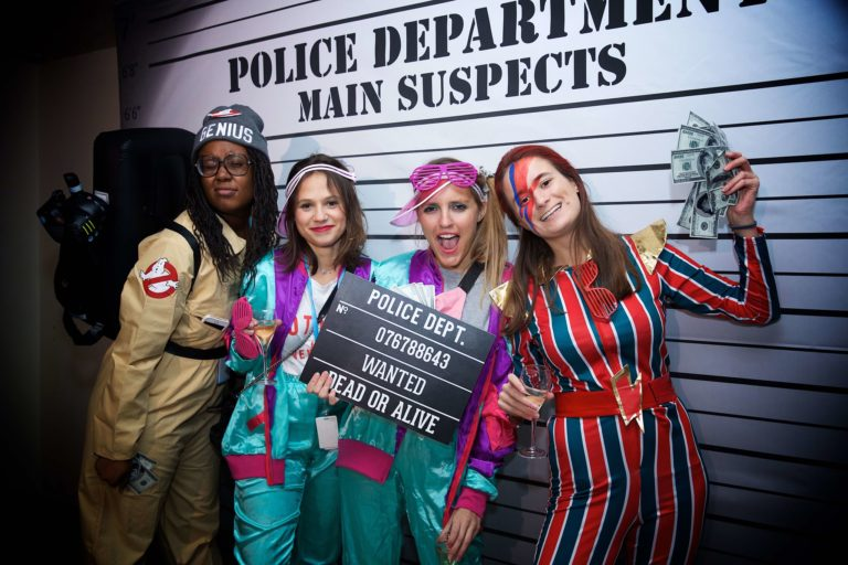 photocall photoborne police departement ancienne banque paris france dancefloor soiree coporate platines vinyles Amazon old school party agence wato we are the oracle evenementiel events