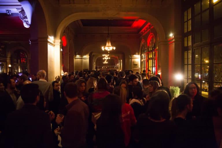 salle de bal foyer salle de spectacle concert parisien paris france soiree coporate scenographie sur mesure bva circus agence wato we are the oracle evenementiel events