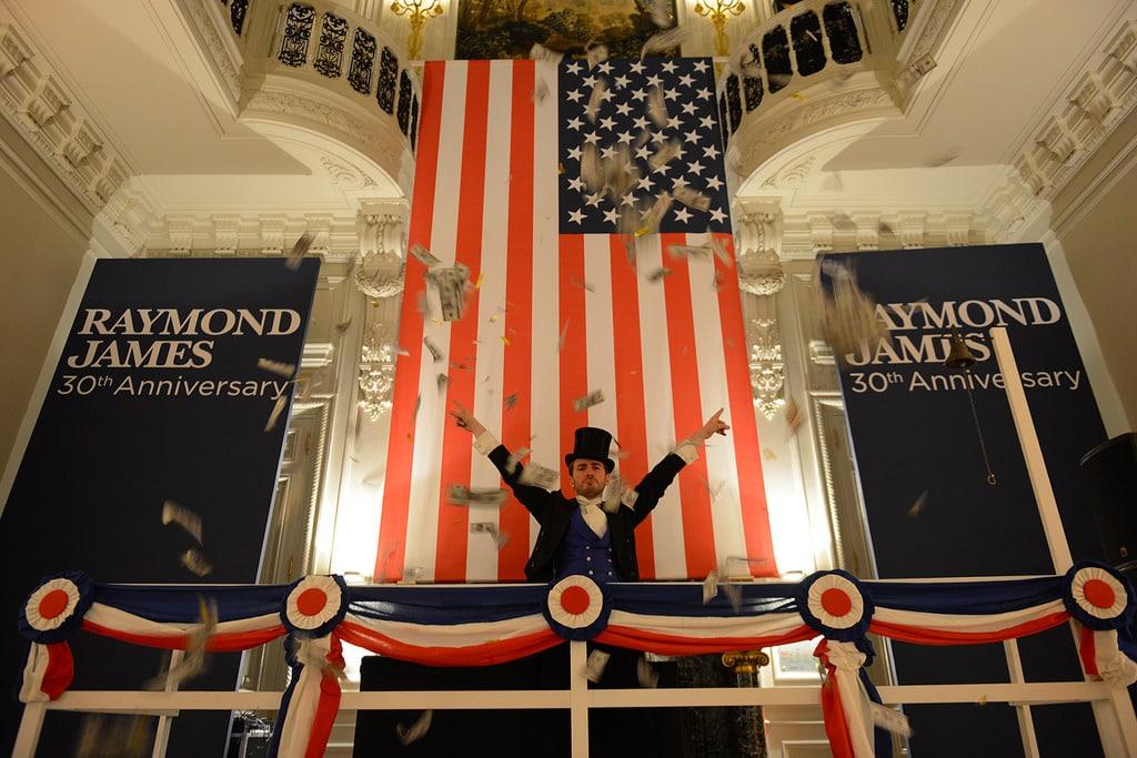 Raymond James : Une nuit à Wall Street