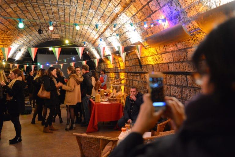 Human n partners picture voute decor fanions lumiere apéritif équipe team venise italie agence wato paris soirée event corporate evenementiel agence wato evenementiel events