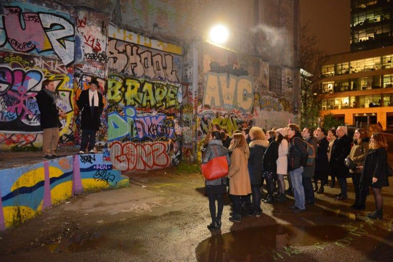 acteurs scénogaphie graffitis lieu insolite paris france evenement intimiste scéographie sur mesure Human n partners agence wato paris soirée evenement corporate evenementiel events
