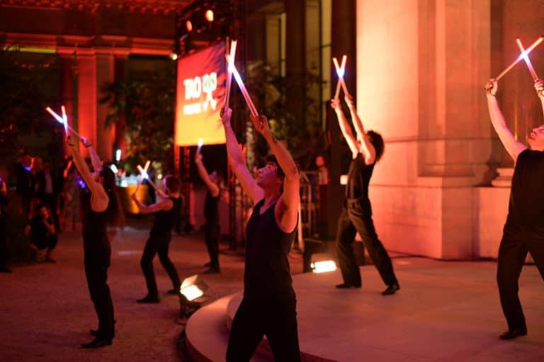 bolas led performance artistique logo tao prestige bleu tao prestige conciergerie de luxe 10 ans petit palais paris france agence wato we are the oracle evenementiel event