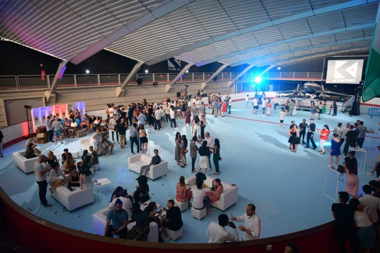patinoire pailleron chill soiree dansante floor kymono airlines ancienne patinoire aeroport vintage Kymono agence wato we are the oracle evenementiel event