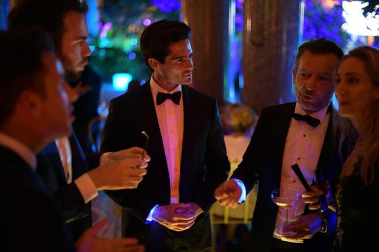 cocktail tao prestige conciergerie de luxe costumes noeuds papillons petit palais paris france agence wato we are the oracle evenementiel event