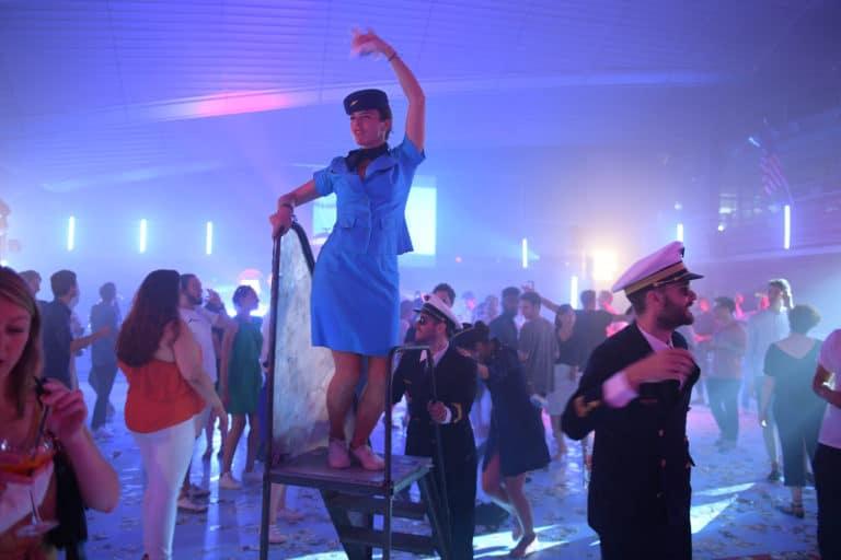 patinoire pailleron dance floor soiree dansante hotesses de l air vintage kymono airlines aeroport vintage Kymono agence wato we are the oracle evenementiel event