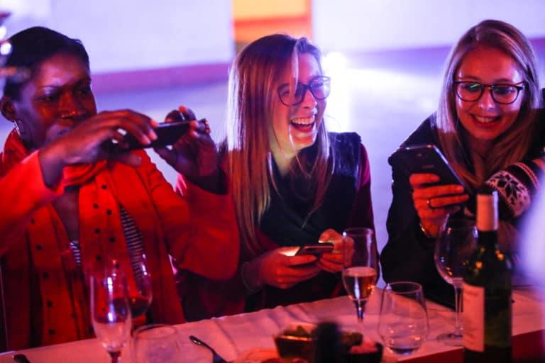 dinner aux chandelles patinoire pailleron privatisation fun vin événement sur mesure lieu insolite paris france diner sur la glace leboncoin agence wato we are the oracle evenementiel