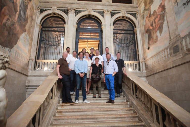 escalier-hotel-ca-sagredo-groupe-invite-seminaire-venise-italie