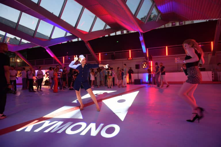 gobo evenementiel kymono airlines ancienne patinoire aeroport vintage Kymono agence wato we are the oracle evenementiel event