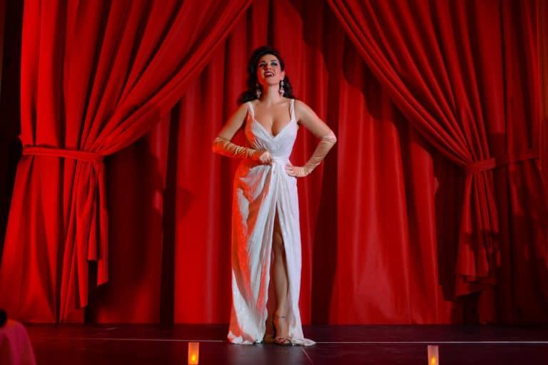 la dandizette danseuse burlesque international scenographie sur mesure hotel particulier paris soiree corporate wall street Raymond James agence wato we are the oracle evenementiel events