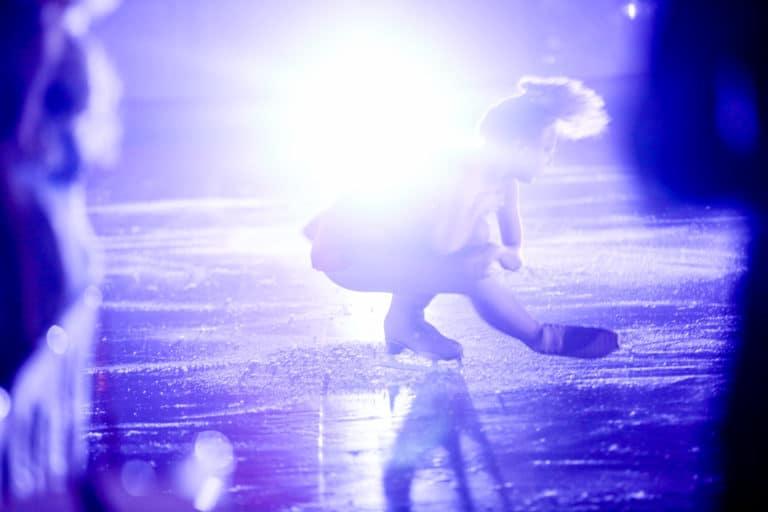 patineuse professionnelle patinage artistique patinoire pailleron privatisation diner insolite paris france diner sur la glace leboncoin agence wato we are the oracle evenementiel event