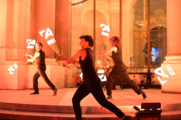 performance tao prestige conciergerie de luxe 10 ans gobos logo tao prestige bleu verriere petit palais paris france agence wato we are the oracle evenementiel event