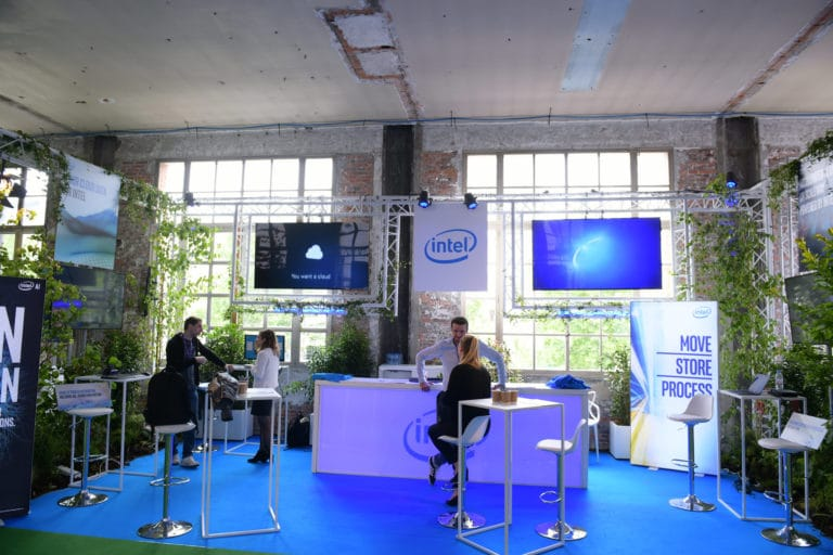 scaleway scaleday stand vegetation intel wato we are the oracle paris dc4