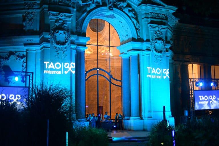 tao prestige conciergerie de luxe 10 ans gobos logo tao prestige bleu verriere petit palais paris france agence wato we are the oracle evenementiel event