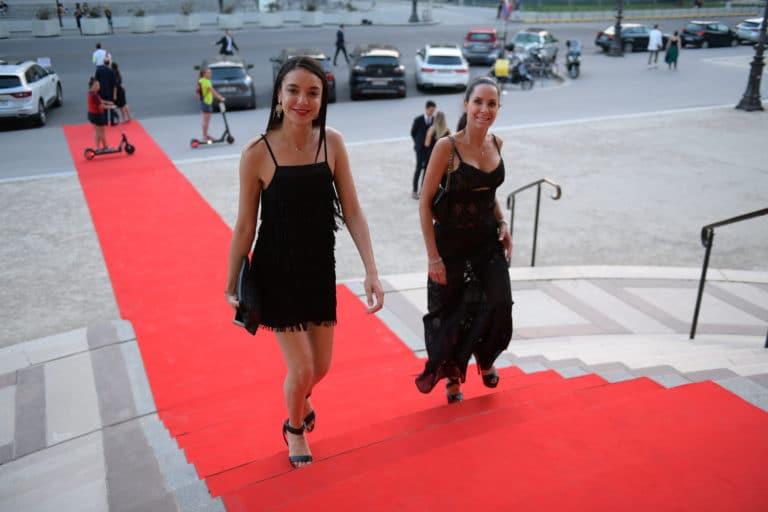 tapis rouge entree du petit palais invites tao prestige 10 ans conciergerie de luxe petit palais paris france agence wato we are the oracle evenementiel events