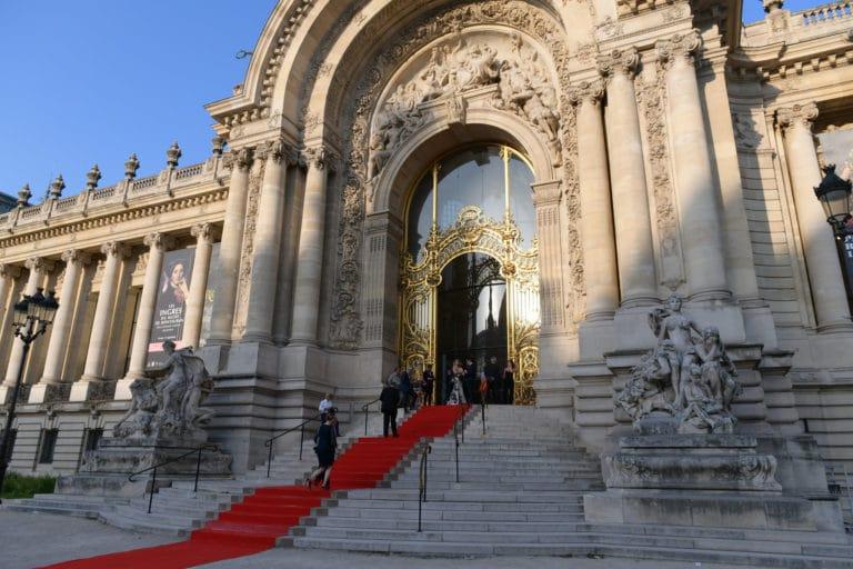 tapis rouge entree du petit palais tao prestige conciergerie de luxe petit palais paris france agence wato we are the oracle evenementiel event