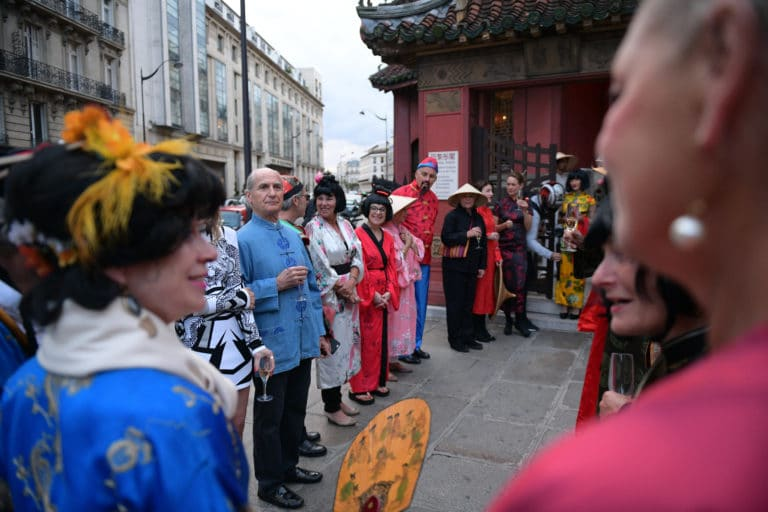 tintin et le lotus bleu pagode chinoise tenues traditionnelles japonaise chinoise fun paris acting acteur chine france agence wato we are the oracle evenementiel events