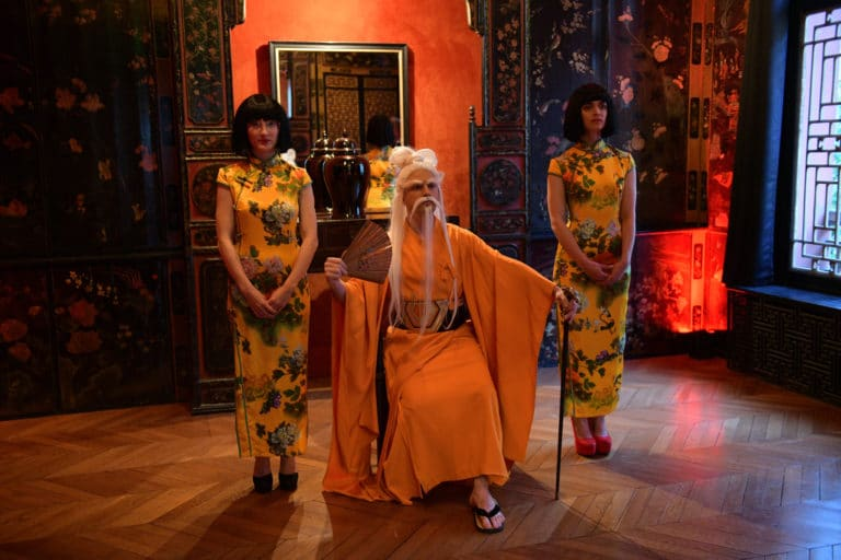 vieux-sage-japonais-acting-event-prive-hotel-particulier-pagode-chinoise-tintin-fun-paris-acteurs-chine-france-agence-wato-we-are-the-oracle-evenementiel-events