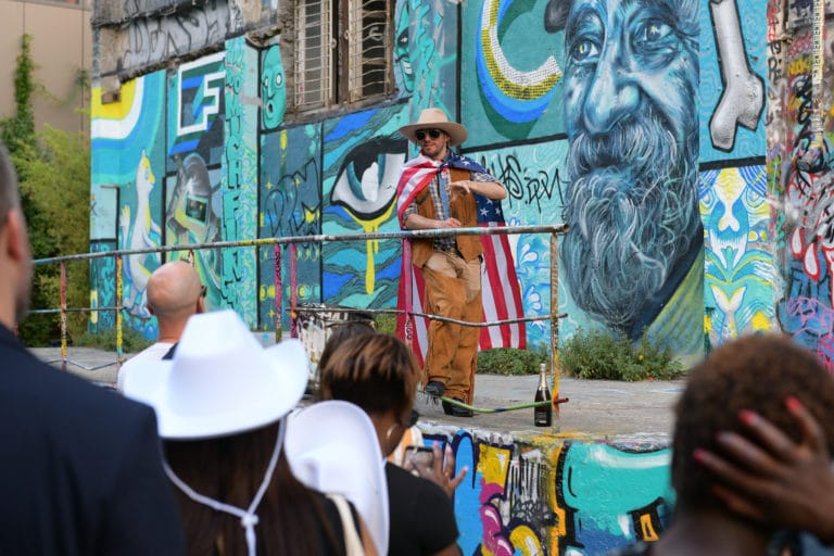 Foulques Jubert chapeau cowboy graffitis paris 19e arrondissement france diner leboncoin thème usa américain agence wato we are the oracle evenementiel events