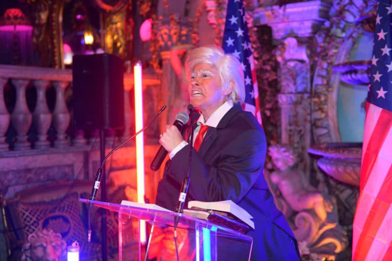Louise De Ville actrice Trump discours loft baroque paolo calia paris france diner leboncoin thème usa américain agence wato we are the oracle evenementiel event