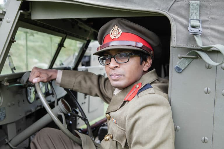 Nitish Khoobarry acteur jeep blindé militaire foret soldatsfrançais fusils France teaser video Victorious Shelter agence wato we are the oracle evenementiel events
