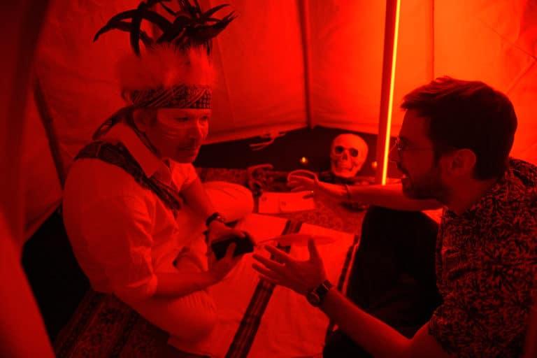 chamane acteur indien crane tipis vip gafa soiree corporate amazon theme jungle vegetation scenographie sur mesure amazonia winter party france agence wato we are the oracle evenementiel event