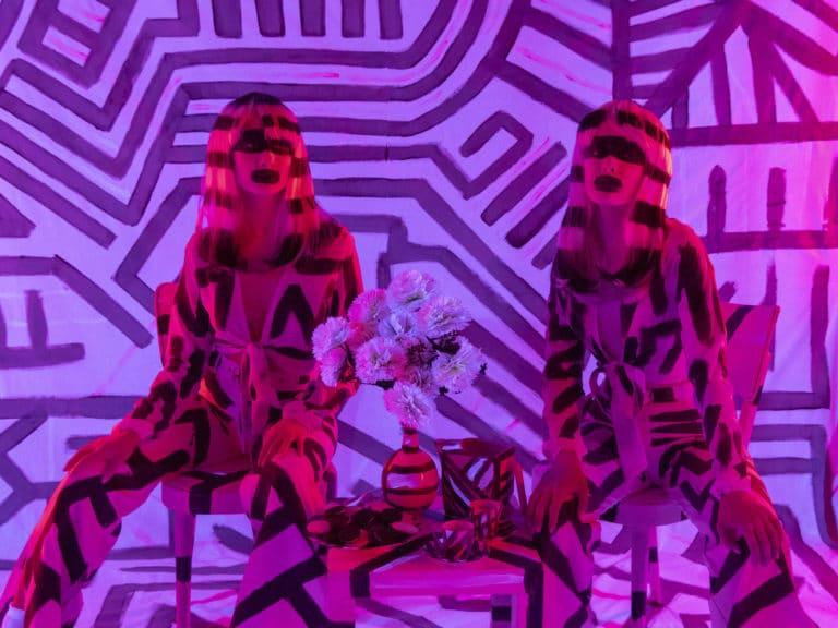 actrices bodypainting photocall personnalisé insolite loft baroque paolo calia paris 19 arrondissement france soirée privée stripes agence wato we are the oracle evenementiel event