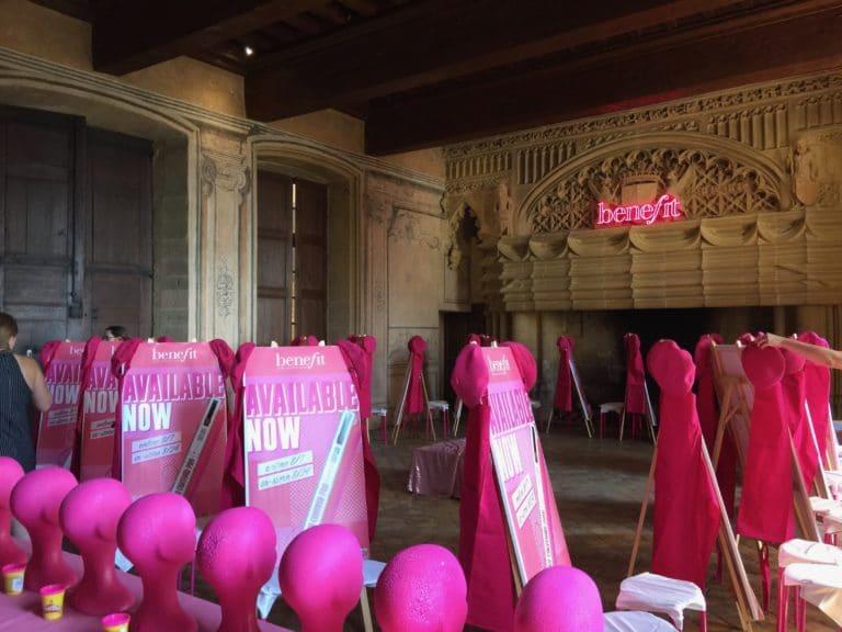 chateau de bagnols agence-wato-evenementiel-paris-diner-exceptionnel-catacombes-carrières-ougie-moine-costume-table-décors-univers-10