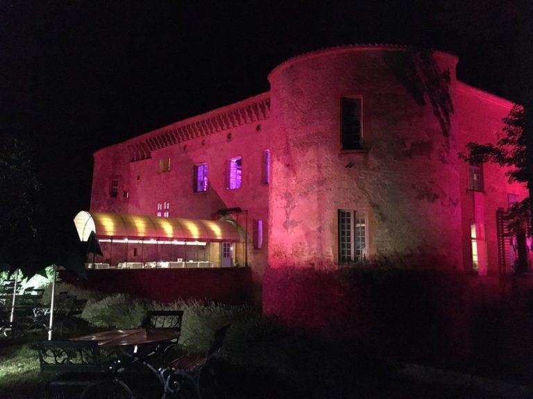 chateau de bagnols agence-wato-evenementiel-paris-diner-exceptionnel-catacombes-carrières-ougie-moine-costume-table-décors-univers-6