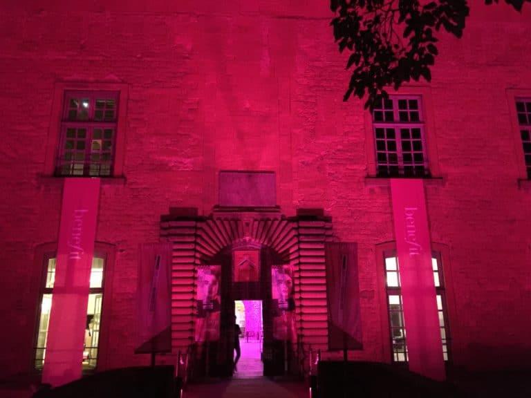 chateau de bagnols agence-wato-evenementiel-paris-diner-exceptionnel-catacombes-carrières-ougie-moine-costume-table-décors-univers-7