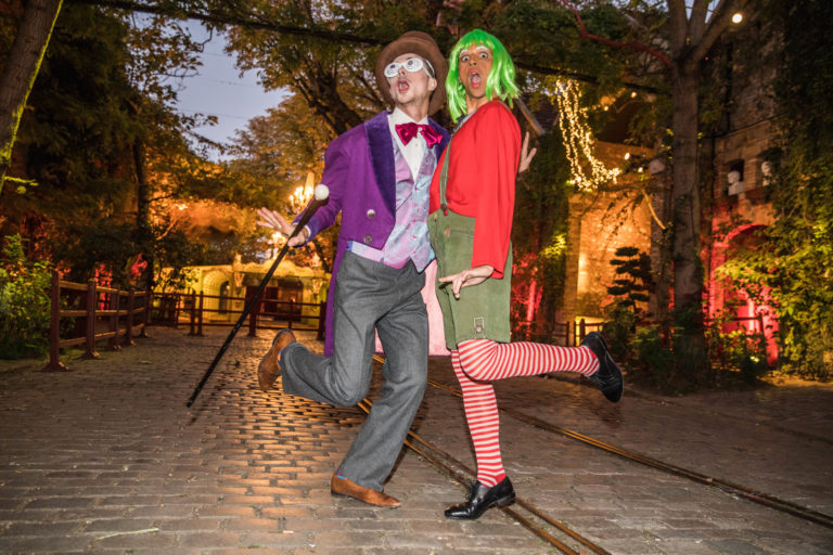 agence-wato-evenementielle-paris-soirée-corporate-voyage-privé-the-magic-factory-bonbons-sucette-jeux-poney-boule-clown-joie-ballons-chamboule-tout-barbe-à-papa-champagne-photocall-discours-15