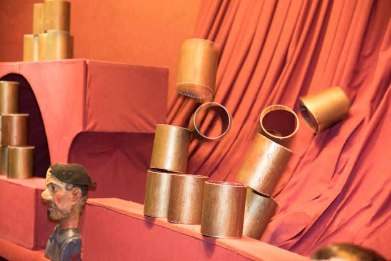 agence-wato-evenementielle-paris-soirée-corporate-voyage-privé-the-magic-factory-bonbons-sucette-jeux-poney-boule-clown-joie-ballons-chamboule-tout-barbe-à-papa-champagne-photocall-discours-17