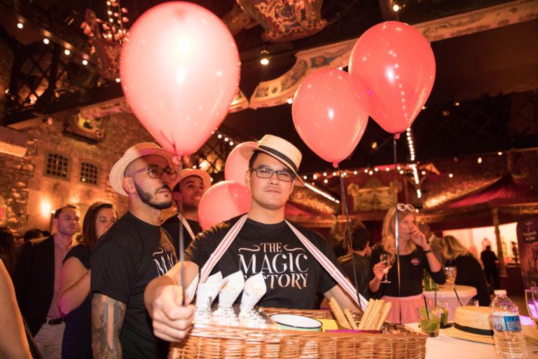 agence-wato-evenementielle-paris-soirée-corporate-voyage-privé-the-magic-factory-bonbons-sucette-jeux-poney-boule-clown-joie-ballons-chamboule-tout-barbe-à-papa-champagne-photocall-discours-6