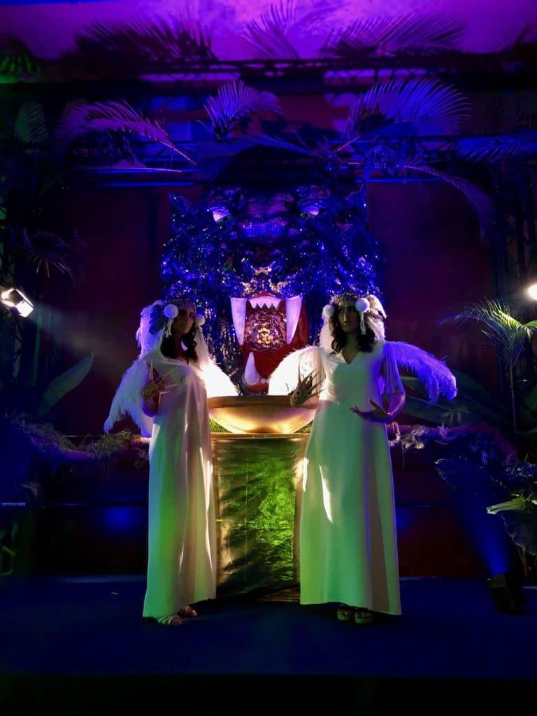 ambre larrazet-llop pretresses rites soiree exceptionnelle palais de la porte doree the family phoenix temple theme jungle evenement sur mesure agence wato we are the oracle evenementiel event