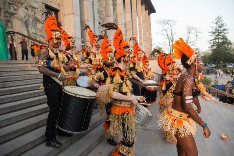 batucada tambours groupe de musique deguisements theme jungle palais de la porte doree the family phoenix temple evenement sur mesure agence wato we are the oracle evenementiel event